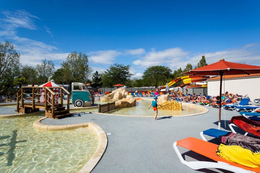 swimming pool camping du Jard