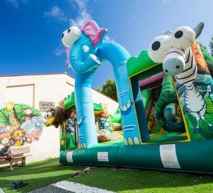 bouncy castle camping du jard